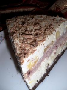 tort cu crema bavareza